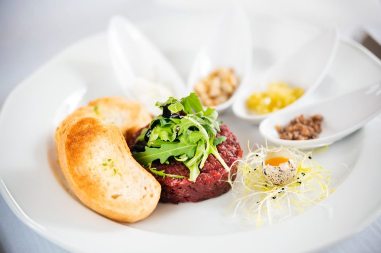 Restaurants Bordeaux : Les meilleurs tartares pour se régaler dès la rentrée !